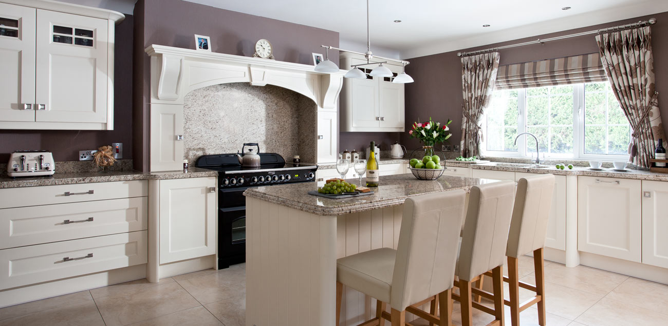 Greenhill kitchens county tyrone northern ireland for Traditional kitchen