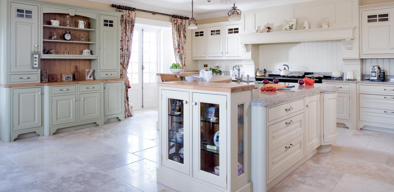 100 pictures of kitchens traditional medium kitchen for Traditional kitchens ireland